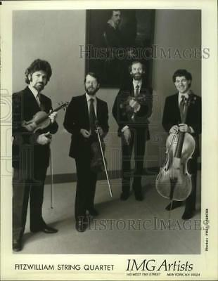 Press Photo Four Members of the Fitzwilliam String Quartet with instruments