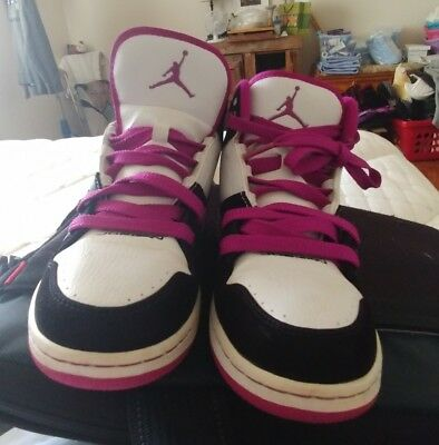 e5d73fb1891336 Girls YTH SZ 6.5 Black Fuchsia NIKE JORDAN FLIGHT 1 ATHLETIC SHOES 371389 -051