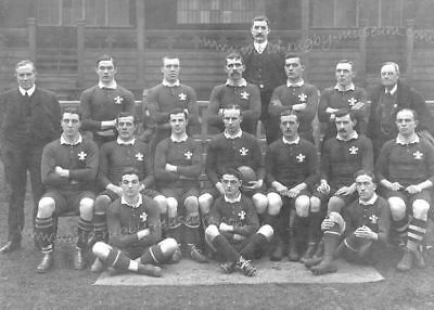 WALES RUGBY TEAM 1905  v NEW ZEALAND POSTCARD FIRST TEAM TO BEAT THE ALL BLACKS