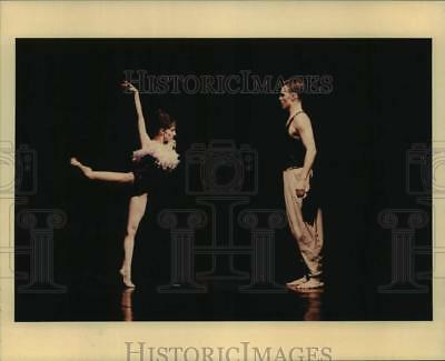 1996 Press Photo Dancers Dawn Scannell, Trey McIntyre in Touched-Houston Ballet