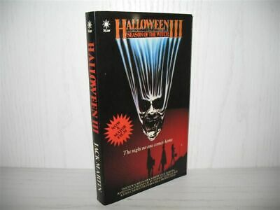 Halloween III: Season of the Witch. Based on a Screenplay by Tommy Lee Wallace;