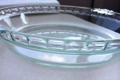 Vintage Pyrex 9 Inch Clear Glass Fluted Crimped Handled Pie Plate #228 -EUC