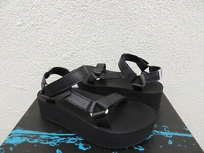 4b8a6fcd432 NEW TEVA W Flatform Universal Retro Sandals Womens 11 New In Box ...