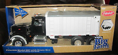 BIG FARM 1//16 SCALE MODEL SEMI WITH TRAILER LP67438