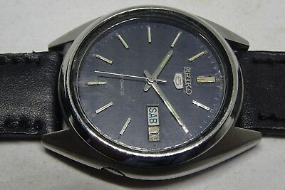 *vintage Seiko 5 Automatic Day&date Blue Color Original Dial Nice Figure Watch