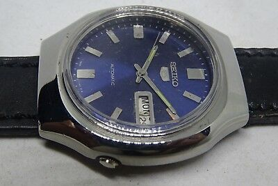 *vintage Seiko 5 Automatic Day&date Blue Color Dial Silver Figure Running Watch