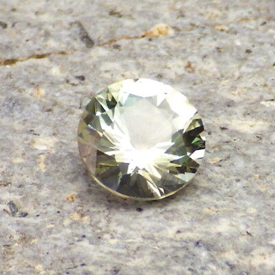 Vert Écume Oregon Sunstone 1,35ct Flawless-From Notre Pana Mine-For Bijoux