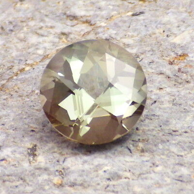 Vert Écume Dichroïque Oregon Sunstone 2.45 Carats Flawless-For Rare Bijoux