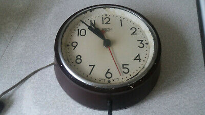 Vintage  Smiths -Sectric -   Bakelite School / Station Wall Clock - 7 Inch Face