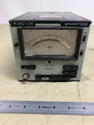 Bruel & Kjaer Type 2425 Electronic Voltometer *** No Power Cord