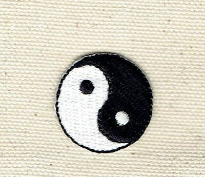 """Small 1"""" Yin/Yang Taoism/Martial Arts/Karate Iron on Applique/Embroidered Patch"""