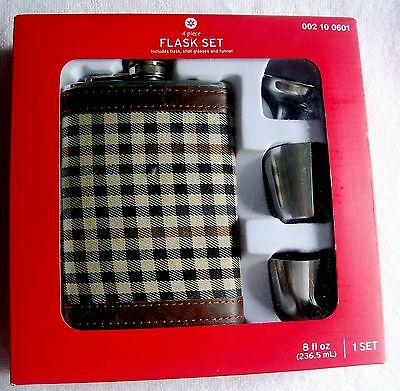 8 Oz. Stainless Steel Hip Flask Holds  2 Cups And Gift Boxed. New In Package