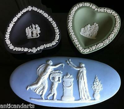 Lot de 3 piéces en biscuit dont 2 WEDGWOOD