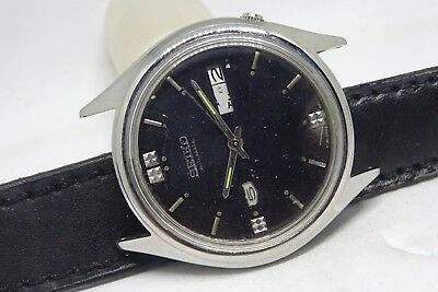 *vintage Seiko 5 Automatic Day&date Black Color Dial Silver Figure Running Watch
