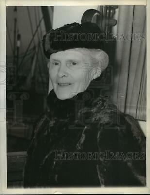 1940 Press Photo Countess Eva Sparre Urges Americans Not to Sell Gas to Russia