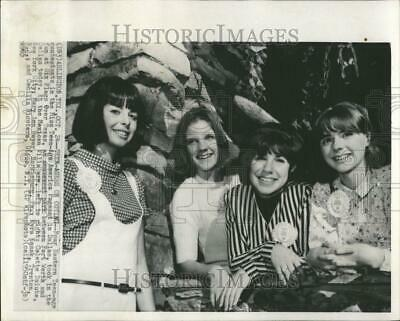 1985 Press Photo Miss Teen-Age America Pageant - RRV40957