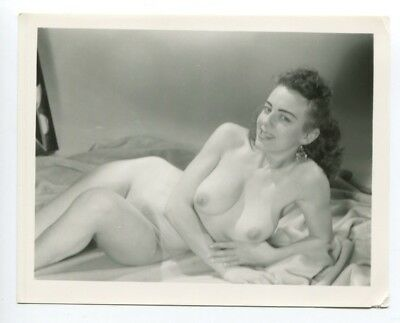 Playful Female Enormous Round Breasts Huge Nipples 1950 Pinup Photo  B4893