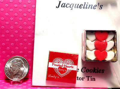 1:12 Scale Dollhouse Miniature Square Cookie Tin with Removable Lid #FMASS3036