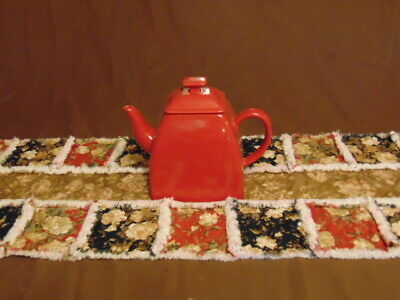 "Cottage Chic Farmhouse Floral Rag Quilt Table Runner 12"" x 35"" Black Red Tan"