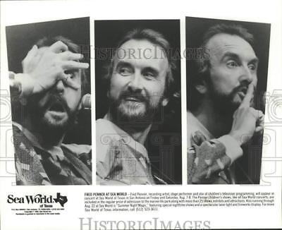 1992 Press Photo Children's Entertainer Fred Penner at Sea World in San Antonio