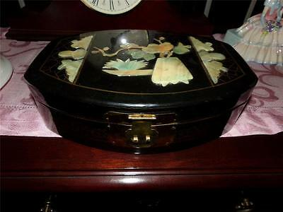 Mother Of Pearl Oriental Lacquer Jewelery Box Wwii C. Korea