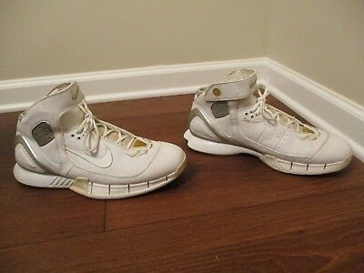 d1915dc70cbc6 Classic 2005 Used Worn Size 12 Nike Air Zoom Huarache 2K5 Shoes White Silver