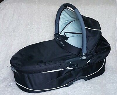 Black Quinny Buzz/Xtra Dreami Carrycot with Liner, Mattress & Hood - No Apron