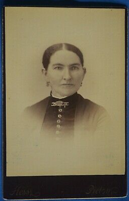 Cabinet Photo Woman Bar Pin Hess Picton Ontario Canada 1890s