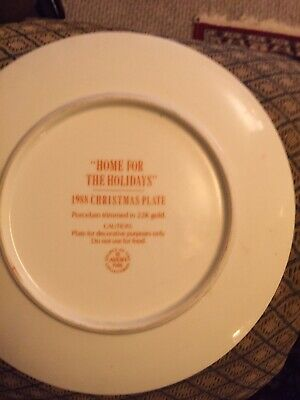 1988 Avon Christmas Plate Home For The Holidays Porcelain Trimmed In 22K Gold