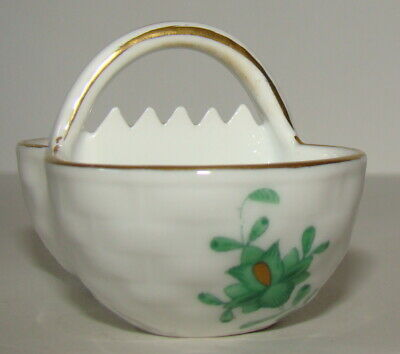 """Herend Hungary Hand painted Porcelain Tiny basket 2.75""""  White/Green 252"""