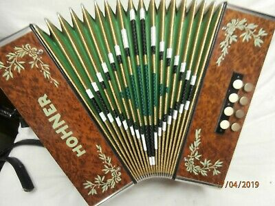 Hohner 8 bass button accordion 1970 -1980 brown and yellow