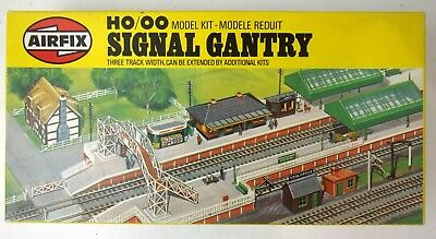 Airfix HO OO Signal Gantry Model Kit 03601-6 boxed