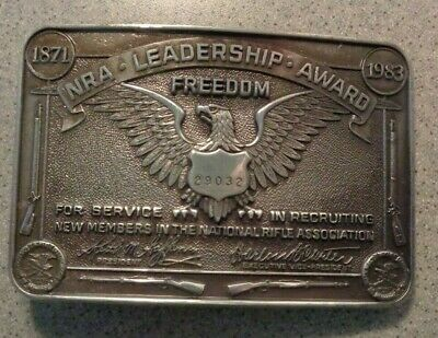 Vintage 1983 NRA LEADERSHIP FREEDOM AWARD Belt Buckle Rifle Gun Eagle embossed
