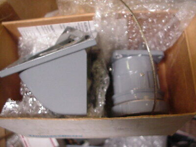 NEW Russellstoll THOMAS & BETTS ANGLE RECEPTACLE 3314 30A 250V/480Vac