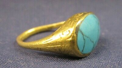 Ancient 22 carat gold ring Turquoise cabochon museum quality Islamic / Roman?