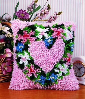 "Heart Wreath Latch Hook Kit 12x12"" Caron. Plain canvas & coloured chart + Yarn"