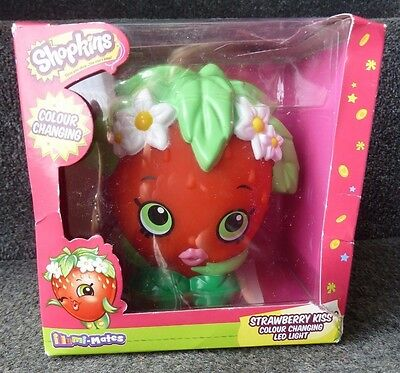 Shopkins Strawberry Kiss & Apple Blossom Colour Changing Bedroom Night Light !