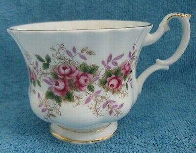 ROYAL ALBERT bone china LAVENDER ROSE Tea CUP only