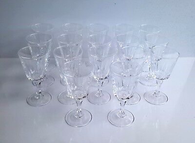 lot de 17 ancien verres à digestif en cristal d'Arques old french crystal glass