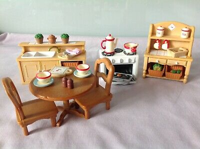 Sylvanian Families Deluxe Kitchen Set With Accessories