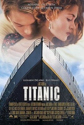 Titanic movie poster (a) : 11 x 17 inches - Leonardo Dicaprio, Kate Winslet