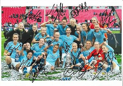 """MANCHESTER CITY LADIES AUTOGRAPHS 2019 TEAM WOMENS FA CUP WINNERS """"12x8"""" PHOTO"""