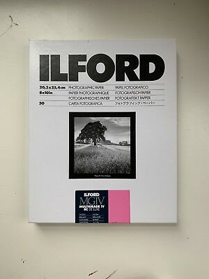 Ilford Photographic Multigrade IV RC DeLuxe Paper Glossy 8 x 10 Inches 50 Sheets
