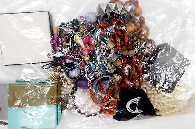 Collection on 1.4kg MIXED COSTUME JEWELLERY Necklaces, Bracelets, Craft - H51