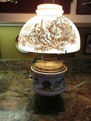 Pretty Antique 19Th Century Victorian B&H Bradley Hubbard Gwtw Banquet Oil Lamp
