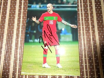 Raul Meireles, Footballer,  Original Hand  Signed Photo 6 x 4