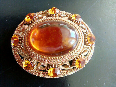 Lovely Vintage Sphinx Large Amber Coloured Oval Cabochon Brooch - VGC