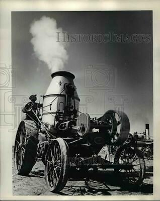 1969 Press Photo Willis Smith with his 1913 Westinghouse tractor - orb54252