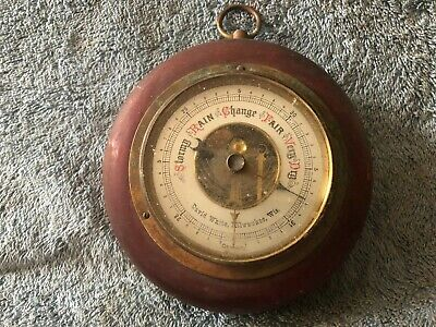 David White Milwaukee Wis.  Barometer  ( Aprox Size 5 1'4'' ) Back Reads Luffte