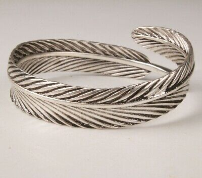 China Tibetan Silver Hand Carving Leaf Bracelet High-End Gift Collection